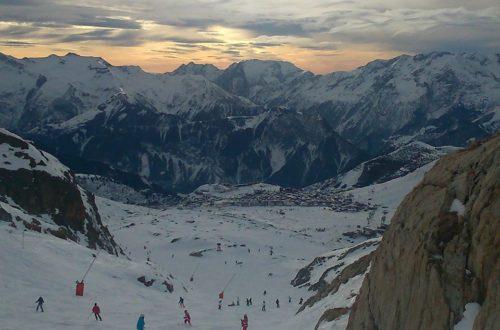 vacances au ski Alpe d'Huez train enfants jouer hiver skier lapin neige tartiflette blog maman blog famille recomposée blog les petits ruisseaux font les grandes rivieres blog PRGR https://prgr.fr
