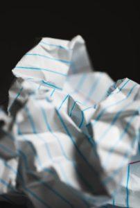 brouillon papier froissé