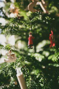 sapin de noël décoration bois rouge